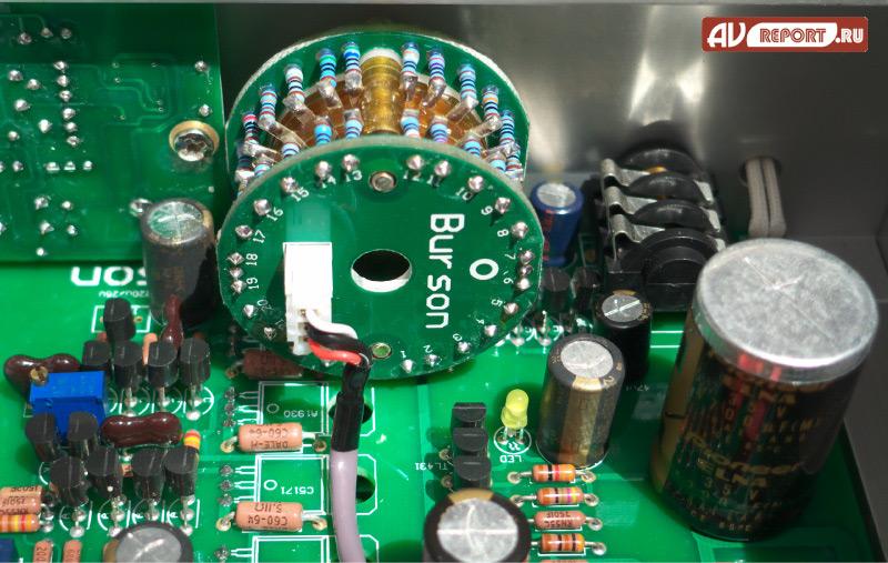 на дискретных резисторах и
